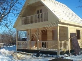 устройство балкона с перилами и точёными балясинами