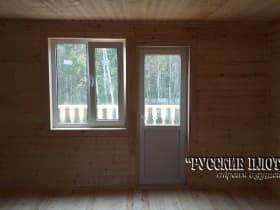 Окно и дверь на балкон