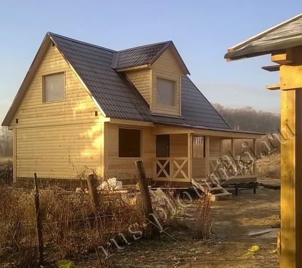 Дом из бруса с мезонином