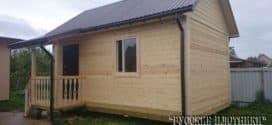 Дачный домик с крыльцом