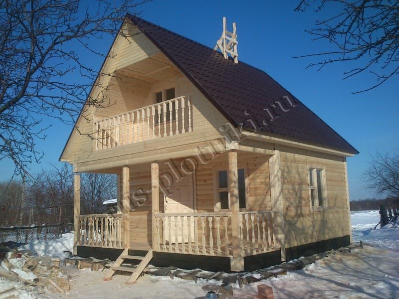 Баня с балконом